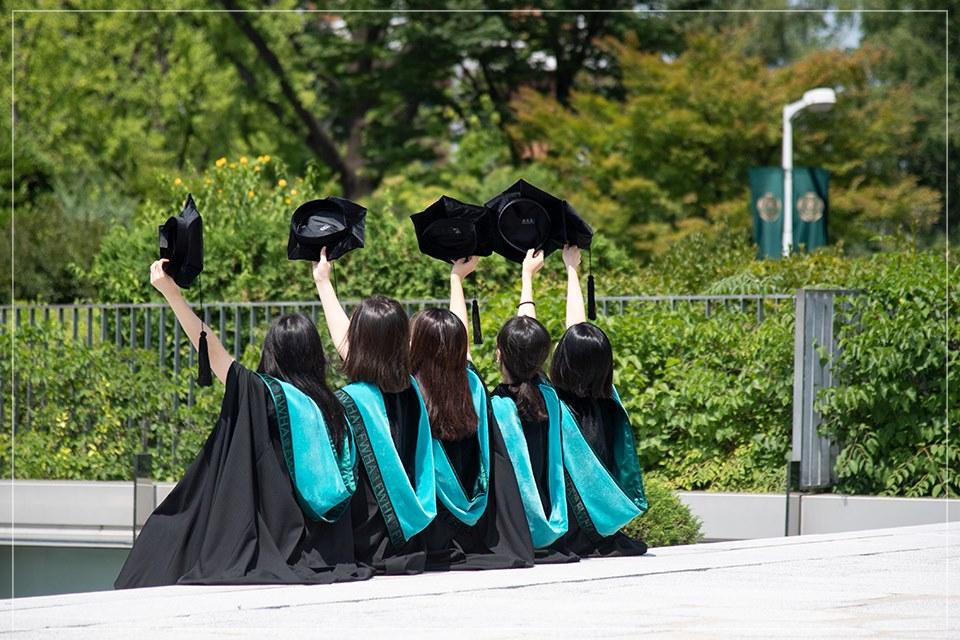 Sinh viên tốt nghiệp trường Đại học Nữ sinh Ewha
