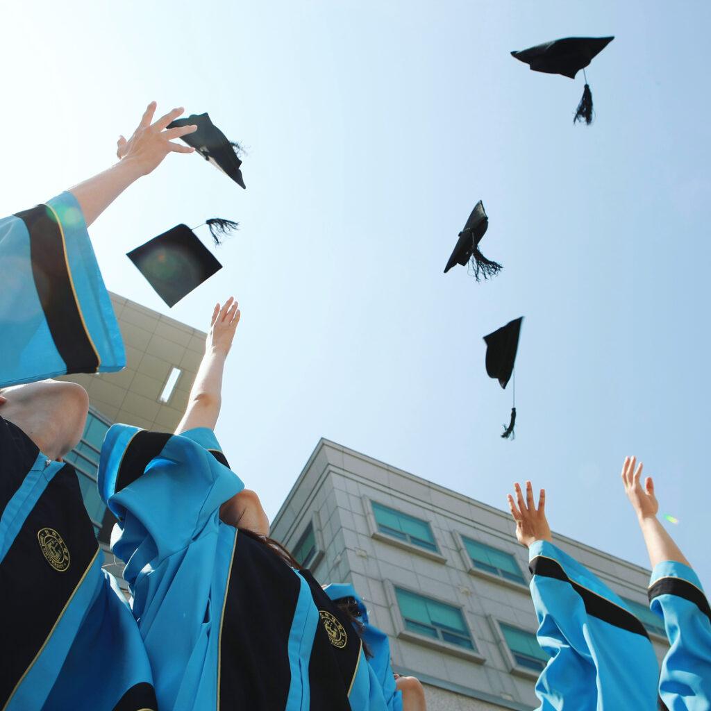 Sinh viên tốt nghiệp tại trường đại học Inha