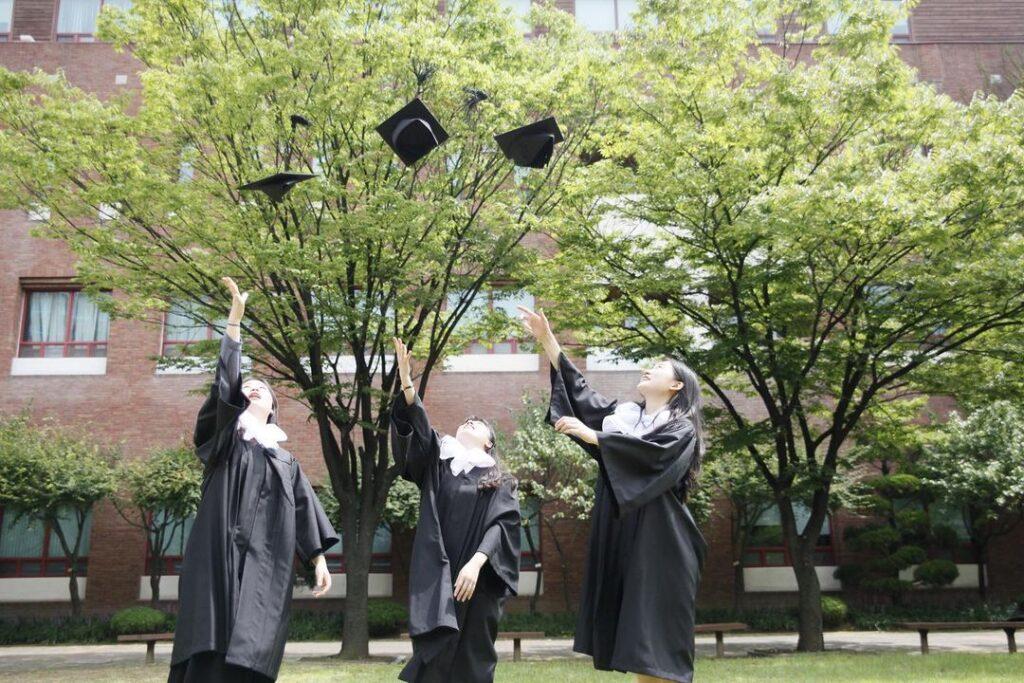 Sinh viên đại học bách khoa Hàn Quốc