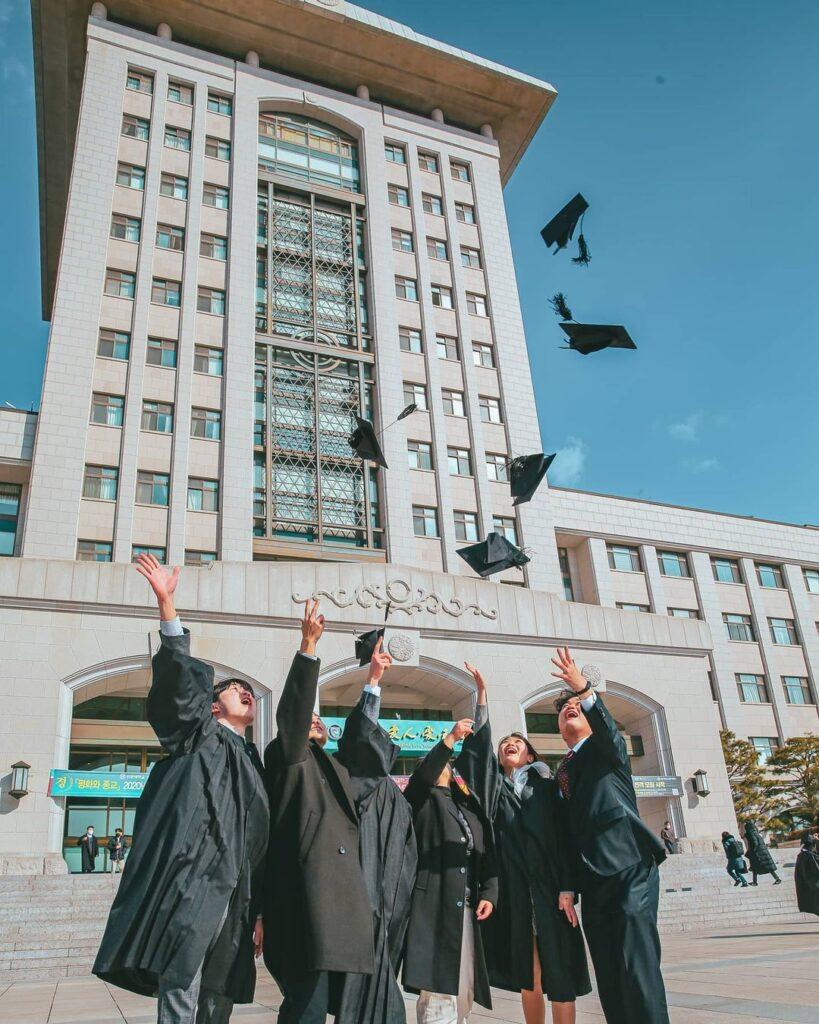 Sinh viên trường đại học Sunmoon